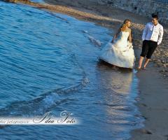 Servizio fotografico per gli sposi al mare