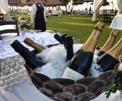 Guna Beach Club - Tutto per il brindisi