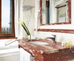 Hotel Villa Michelangelo - Bagno delle camere della location di matrimonio