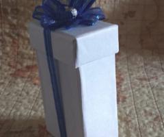 Baci Mi Piaci - Scatolina con profumo e fiocco blu