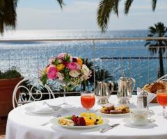 Royal Hotel Sanremo - Colazione sulla terrazza della suite