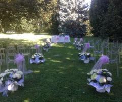 Cerimonia di nozze in lilla