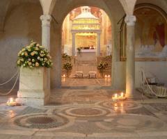 Interno della chiesa della location di matrimonio
