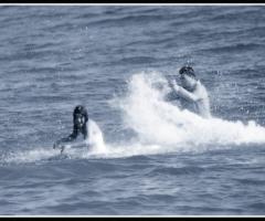 Fotografia degli sposi al mare