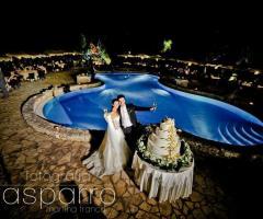 Villa Menelao - Il taglio della torta a bordo piscina