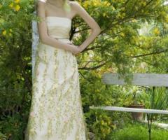 Daniela Gristina - Abito per la sposa con decorazioni di fiori