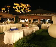 Villa Posillipo - Allestimento serale per il ricevimento di matrimonio