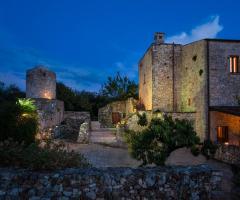 Masseria Montepaolo - La masseria di sera