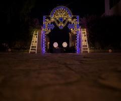 Masseria San Nicola - L'ingresso illuminato della festa