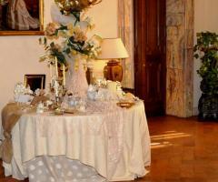 Grand Hotel Continental - Il tavolo dei confetti e delle bomboniere di nozze