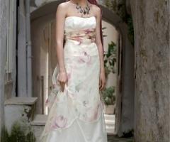 Daniela Gristina - Abito con tessuto di fiori color pastello