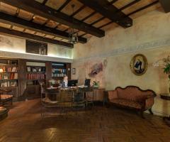 Sala interna di Palazzo Cardinal Cesi a Roma