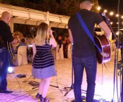 White Wedding Band - La festa di nozze