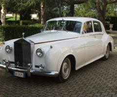Noleggio auto d'epoca bianca
