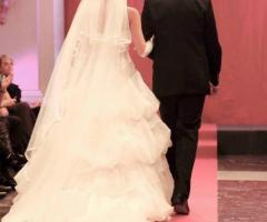 Hotel Villa Michelangelo - Sfilata di abiti da sposa e da sposo presso la location di nozze