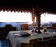 New Antica Rocca Donwivar - I tavoli in terrazza al tramonto
