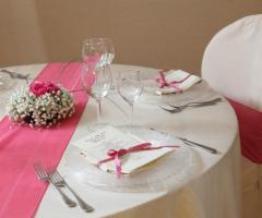 Tavoli per gli invitati al matrimonio