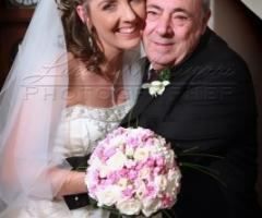 Fotografia della sposa con il papà
