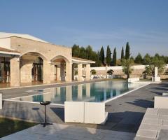 La piscina della location di nozze