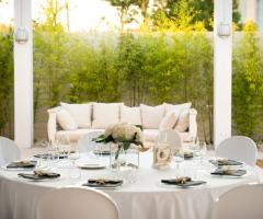 Il tavolo per gli invitati