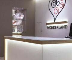 Wonderland Bomboniere