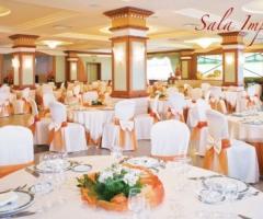 Sala del ristorante per il ricevimento di matrimonio