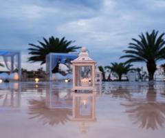 Lanterna a bordo piscina
