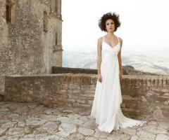 Angela Pascale Spose - Abito da sposa con spalline strette e scollo a cuore