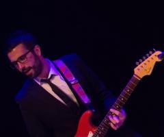 Karma Music - Alla chitarra