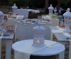 Casale del Murgese - Un buffet tra le lanterne