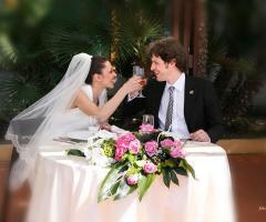 Foto degli sposi durante il brindisi - Il Brigantino Barletta