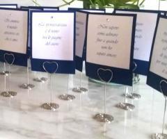 Partecipazioni e Coordinati di Tonia D'Adderio - Le frasi per il matrimonio nei segnaposti da piatto