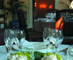 Hotel Villa Michelangelo - Centrotavola floreale per il banchetto di nozze