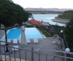 Borgo La Fratta - Una vista dall'alto della piscina