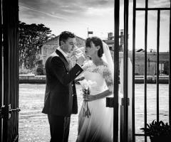Il giardino di Villa Lina - Gli sposi sul pontile