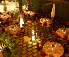 Disposizione dei tavoli per il matrimonio