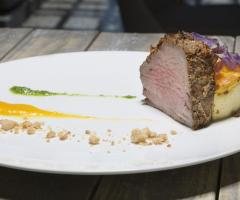 Grand Hotel Riviera - Un secondo di carne