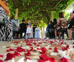 Cerimonia di nozze all'aperto a Casa Resta
