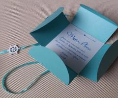 Sara Carloni Studio - Partecipazione/scatola per bomboniera tema mare