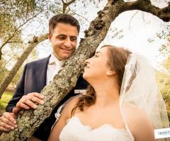 Sguardo romantico tra sposi Qualcosa di Blu