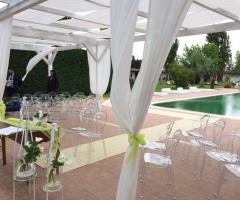 Cerimonia di nozze a bordo piscina