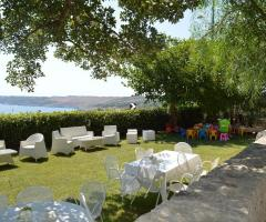 Cala dei Balcani - Gli aperitivi in giardino