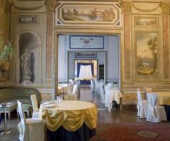 Villa Boscogrande - Preparativi per il tavolo degli sposi