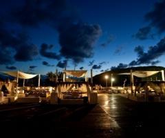 Coccaro Beach Club al tramonto