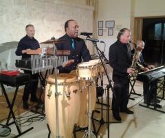 Carlo Pelle & company durante un'esibizione