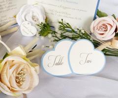 Partecipazioni Bijoux - Segnatavolo cuore in azzurro serenity collezione tenerezze