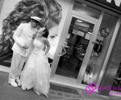 Fotografia in bianco e nero degli sposi
