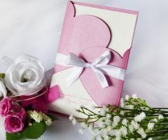 Partecipazioni Bijoux - Collezioni abbracci in versione carta perla fuxia