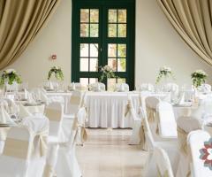 Exclusive Puglia Weddings - Un allestimento in bianco