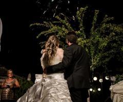 Fotografia dei fuochi d'artificio durante il ricevimento di nozze